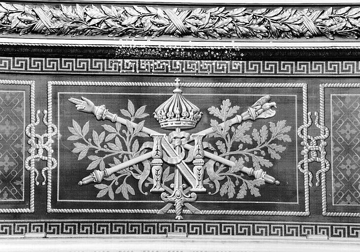 Salle mollien, petit plafond entre les portes donnant accès à la Salle Denon