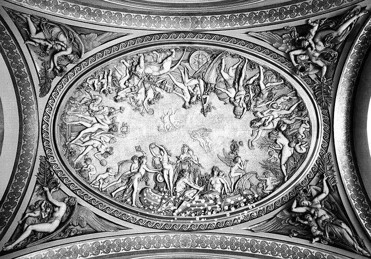 Grande Galerie : Bas-reliefs et stucs de la coupole est