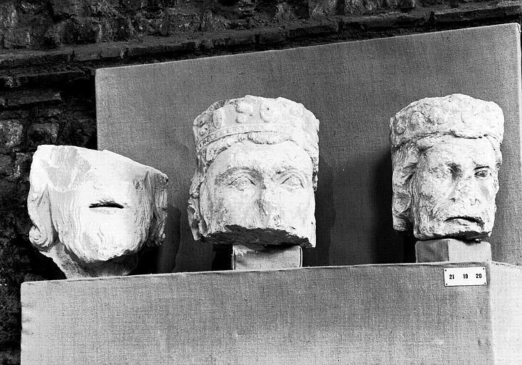 Têtes des Rois de Juda provenant de la galerie des Rois de Notre-Dame