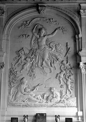 Cabinet des Dessins, bas-relief côté est : L'Assomption de Flore