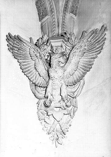 Salle du Manège, cul-de-lampe : L'aigle impérial