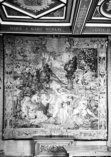Tapisserie en laine et soie, Histoire de Diane : Jupiter change les paysans lyciens en grenouilles (bordures aux chiffres de Henri II et Diane de Poitiers)