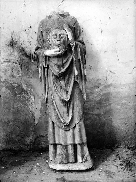 statue (grandeur nature) : Saint Denis
