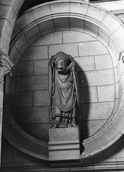 Statue : Saint Ayoul céphalophore