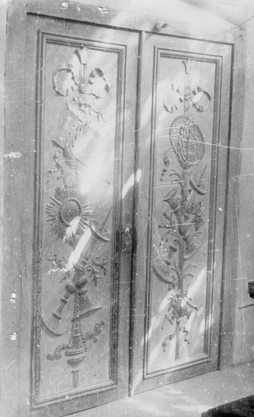 2 vantaux de la porte de la sacristie