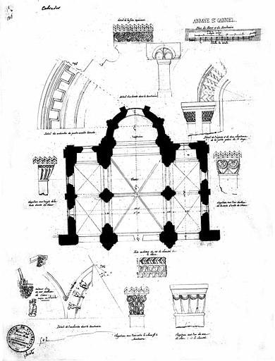 Plan du choeur, détails des chapiteaux et archivoltes