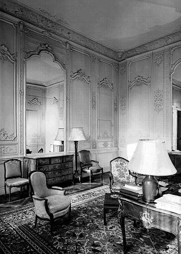 Salon Louis XV au rez-de-chaussée