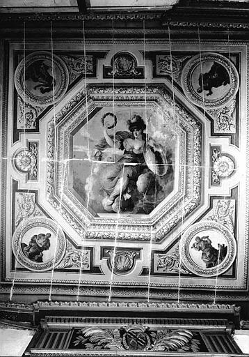 Chambre de Porcia, plafond peint : La Victoire (au centre), Quatre Vertus (aux écoinçons)