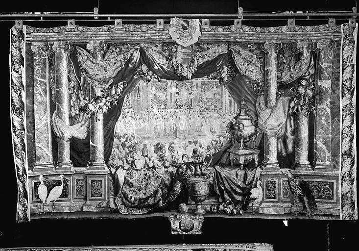 Tapisserie, tenture des Mois ou des Maisons royales : Le mois de février et le Palais-Royal (bal donné par le roi)