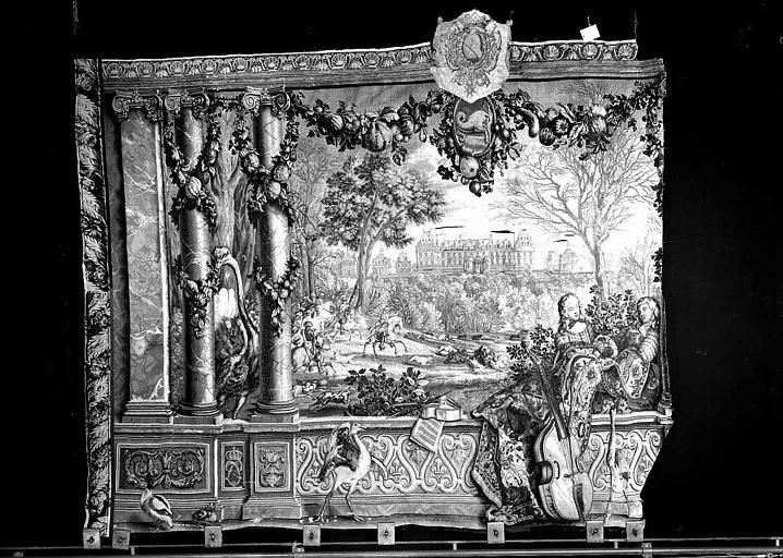 Tapisserie, tenture des Mois ou des Maisons royales : Fragment (Versailles ?)