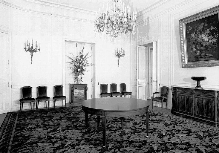 Premier grand salon