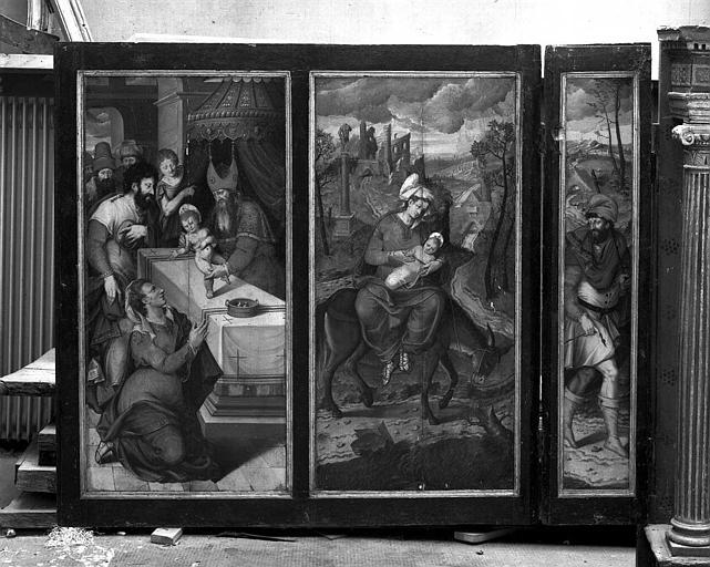 Panneaux peints en grisaille (Volet intérieur droit du retable de la 1e chapelle du collatéral sud) : Présentation du Christ au Temple, Fuite en Egypte