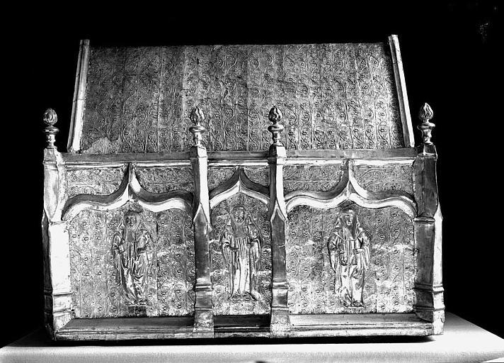 Châsse de saint Gilbert en cuivre argenté sur âme de bois (face)