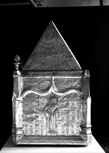 Châsse de saint Gilbert en cuivre argenté sur âme de bois (pignon)