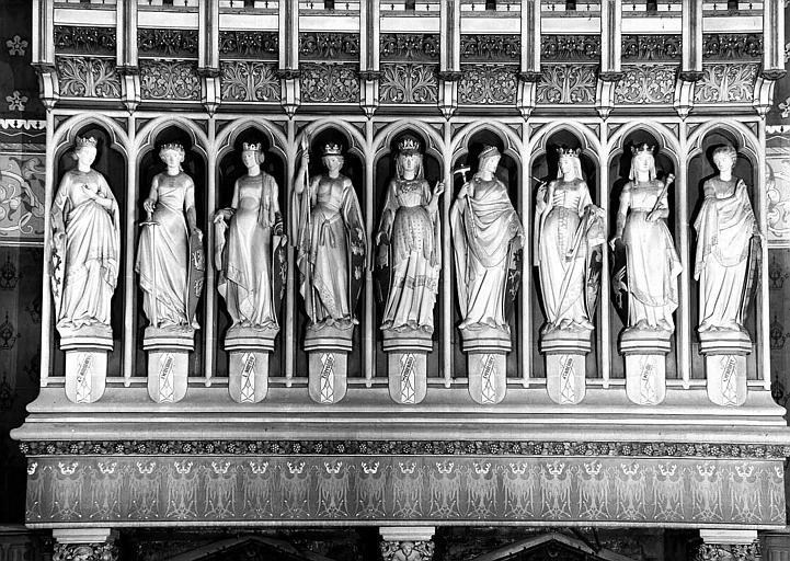 Salle des Preuses : Statues des neuf Preuses de la cheminée