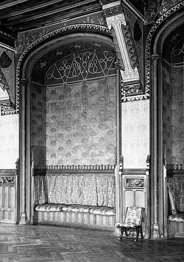 Grande salle du donjon au 1e étage : Alcôve