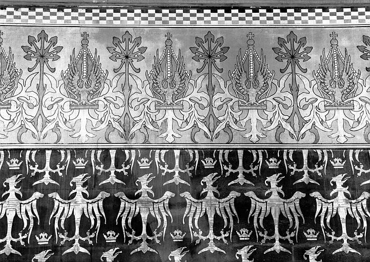 Donjon : Partie supérieure du décor mural de l'antichambre de l'Empereur