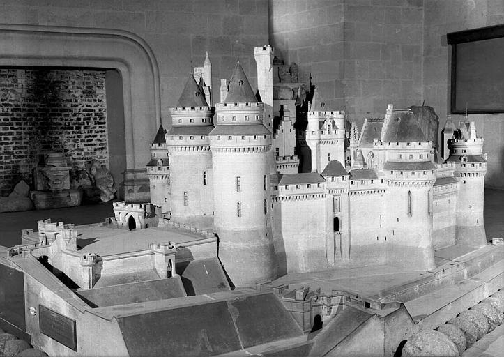 Maquette du château vue du sud