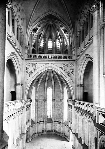 Chapelle : Vue intérieure vers le choeur