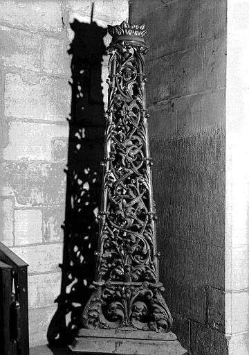 Chandelier du cierge pascal en bronze doré
