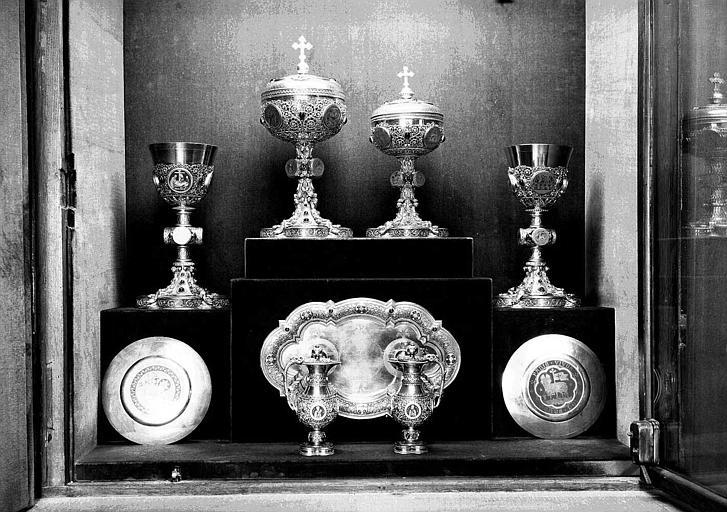 Calices, patènes et ciboires provenant de la chapelle du Chanoine de Place