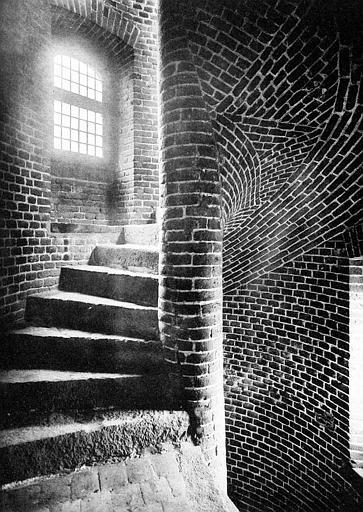 Escalier à vis de la tourelle