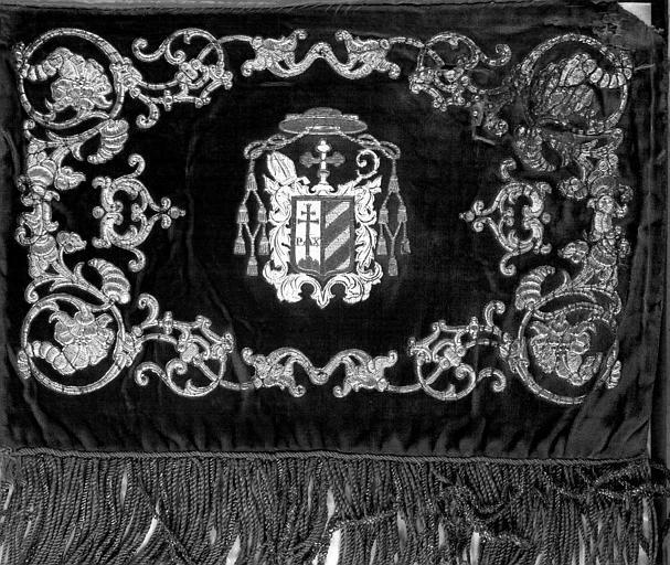Missel romain de Venise ayant appartenu au Comte de Chambord : Rabat orné des armes