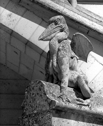 Bête d'amortissement du perron (pavillon de l'angle nord-est de la cour)