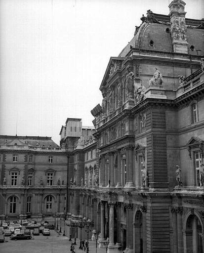 Angle sud-ouest du pavillon de l'Horloge