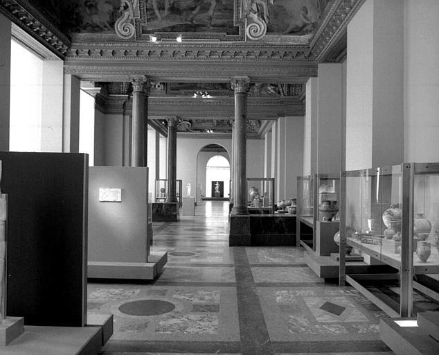 Appartements d'été d'Anne d'Autriche : Vue des salles des antiquités grecques