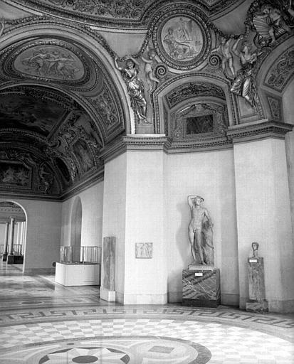 Rotonde et salle de Mécène (antiquités grecques)