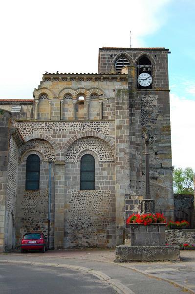 vue partielle du clocher et de la façade nord