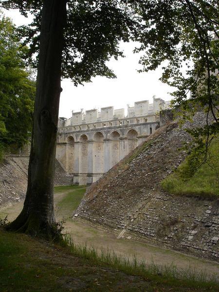 vue partielle du pont-galerie, façade nord