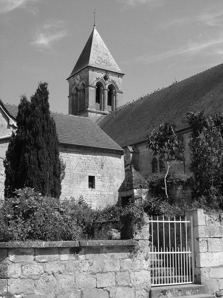 vue partielle de l'église