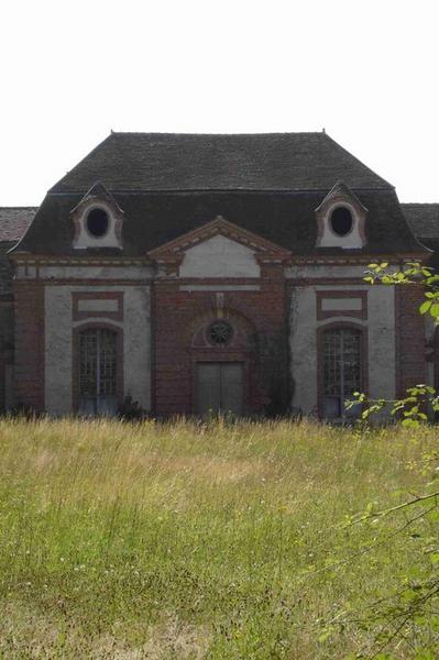Communs, vue partielle, pavillon central, façade nord-ouest