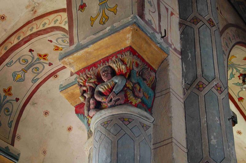 Détail d'un des chapiteaux de la nef