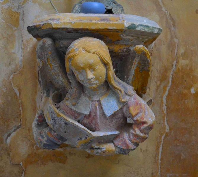 Détail, console sculptée située dans le choeur
