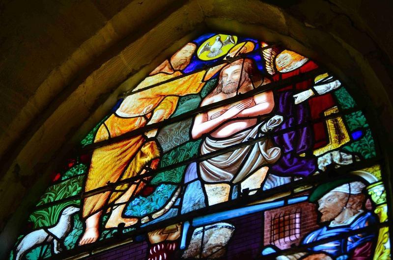 Verrière : Baptême du Christ (le) et la décollation de saint Jean-Baptiste, vue partielle