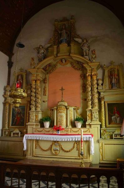 Maître-autel, gradin d'autel, tabernacle, retable, 3 statues : Saint Martin, Deux anges adorateurs, tableau : La Nativité, vue générale