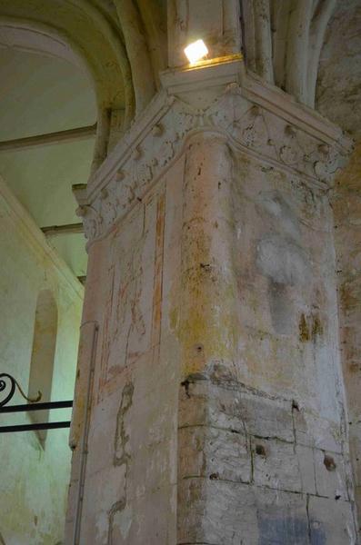 Pilier nord-ouest du transept, vue partielle