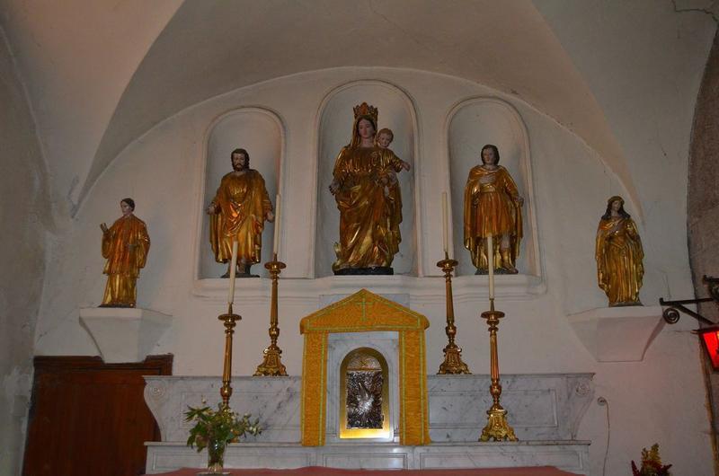 Ensemble de 4 statues dont une sainte