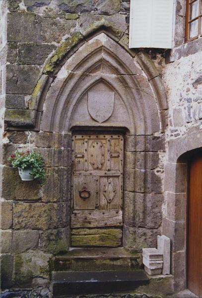 vue générale de la porte d'accès du rez-de-chaussée