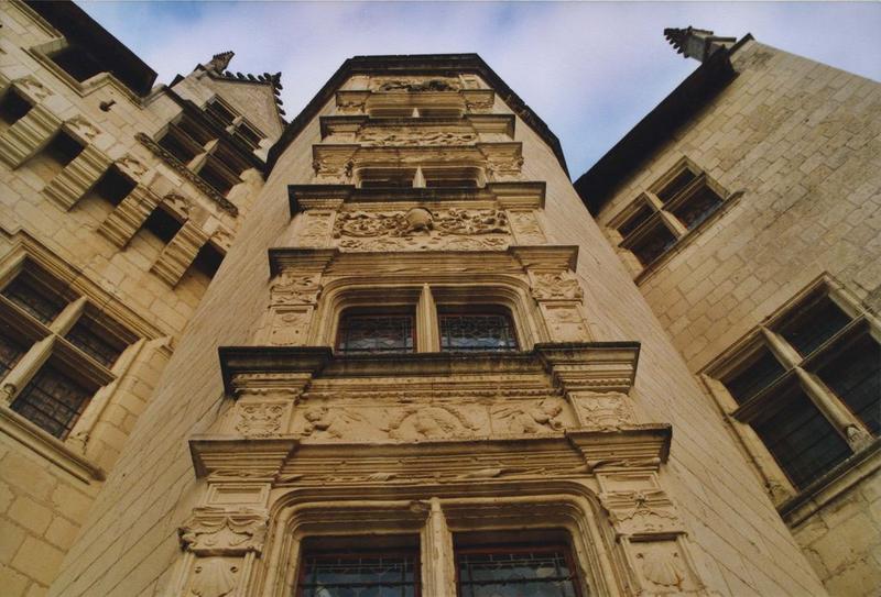 tour d'escalier des ailes nord et ouest, façade sud, vue partielle