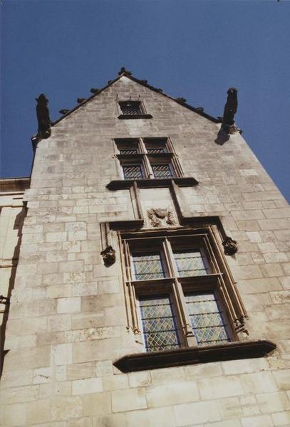 vue partielle de la façade sur rue