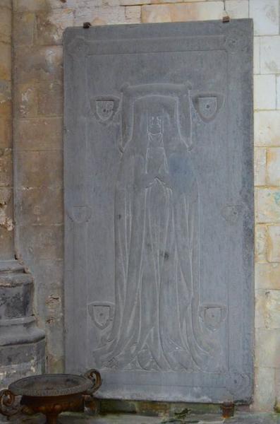 dalle funéraire d'Agnés de Bouders, dame de Matringhem, vue générale