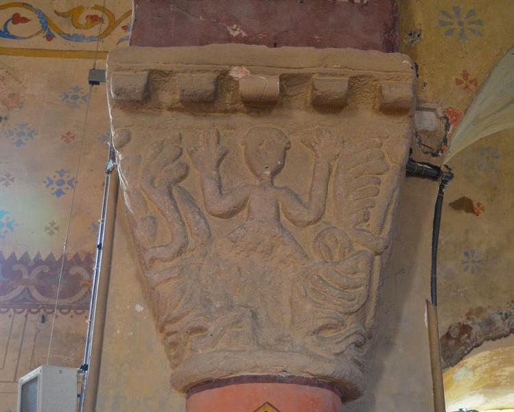 Arc triomphal, détail du chapiteau sud