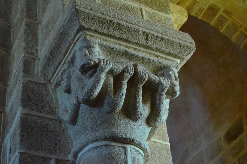 Nef, détail d'un chapiteau