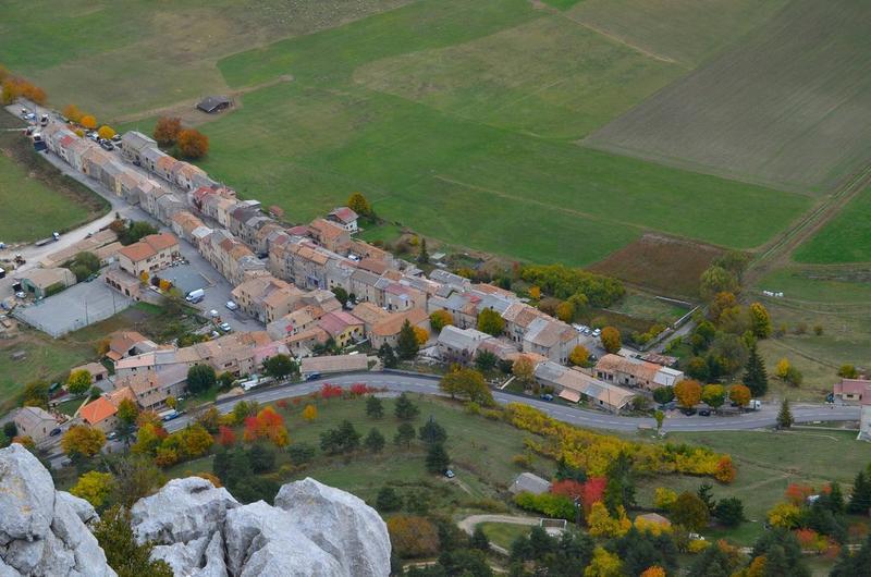 Vue générale du village dans son environnement