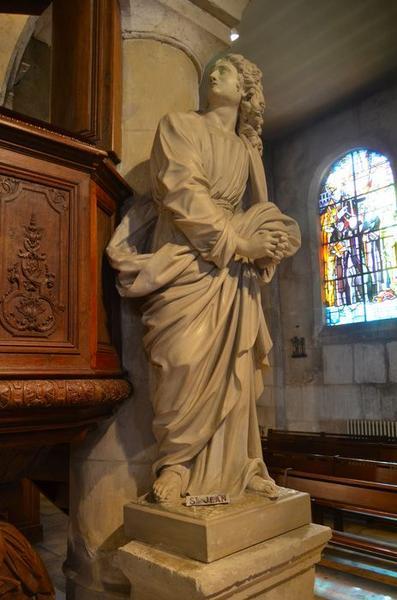 Statue: saint Jean, vue générale