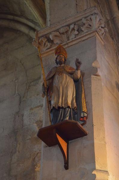 Statue d'évêque : saint Nicolas (?), vue générale